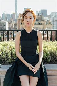 Photo )) Vera Wang Fashion Show Behind-the-Scenes Photos ...  Jessica