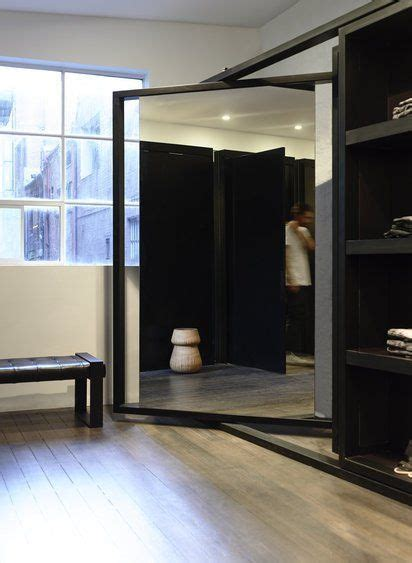 Big Wardrobe With Mirror by 40 Magnificent Interior Designs With Big Big Mirrors