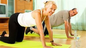 Fitnessstudio Zu Hause : muskelaufbau zu hause bungen ganz ohne fitnessstudio ~ Indierocktalk.com Haus und Dekorationen