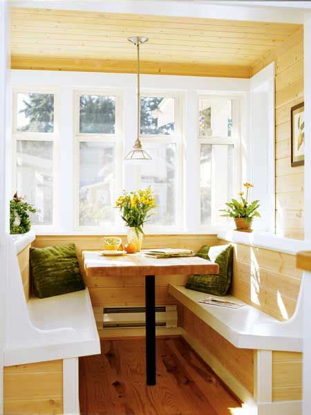 Breakfast Nook Ideas For Small Kitchen by Built In Breakfast Nook Idea From Lowes For The Home