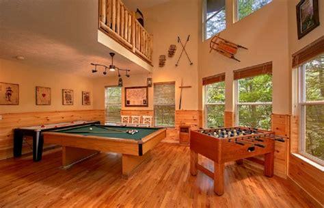 br gatlinburg luxury log cabin  game room