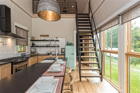 fixer uppers tiny house    million curbed