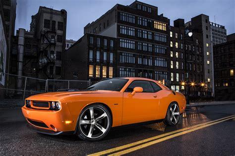 2014 Dodge Challenger R/t Shaker Brings Back The Hemi