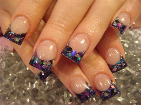 Glamour And Elegance Of Glitter Nails