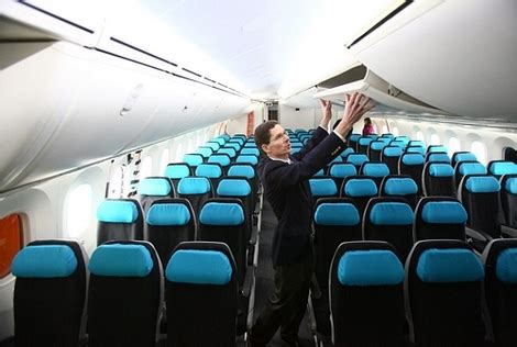 airlines boeing  dreamliner interior