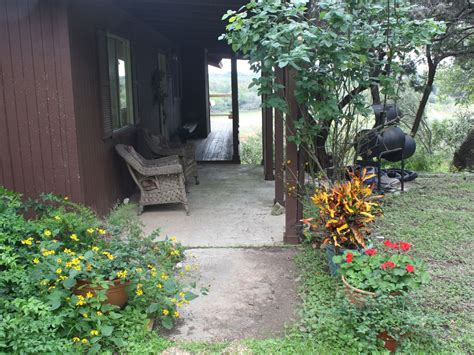 krause springs cabins spicewood cabin rental peaceful cabin in the country w