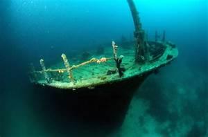 Shipwrecks Gallery: Secrets of the Deep | Underwater ...