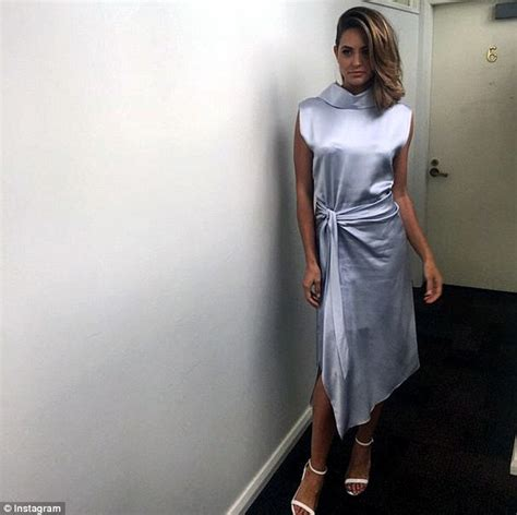 jesinta campbell defends  comments  bali