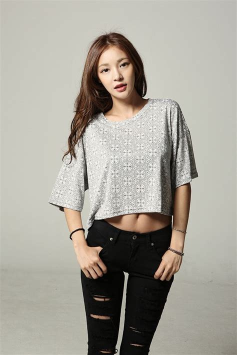 Crop top and black ripped jeans. Perfect summer~ | Asian Fashion | Pinterest | Coats K fashion ...