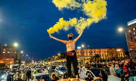 Abortu aizlieguma pretinieki Polijā bloķē ceļus ...