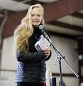 Interview and video: Former actress Suzy Amis Cameron ...