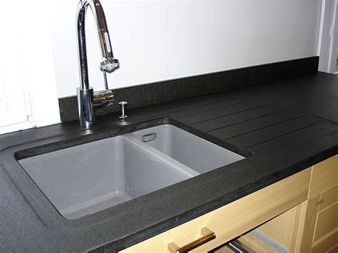 bonde pour evier de cuisine intérieur granit plan de travail en granit noir