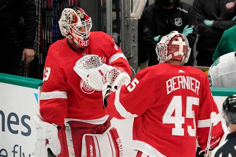 Thomas Greiss' surge gives Red Wings goalie tandem they ...