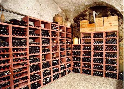 Mur Cave A Vin 3842 by Le Mur Enterr 233