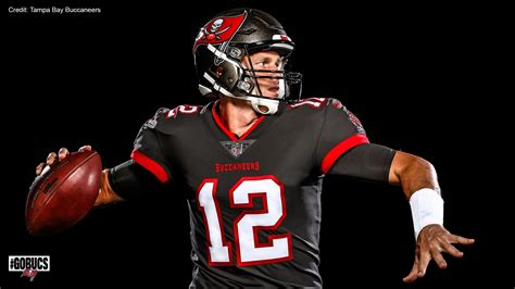 For a guy like tom brady, you've got to be scratching your head, favre told usa today sports. Buccaneers release first photos of Tom Brady in team ...