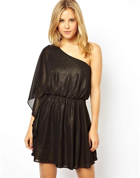 Drape Dress With One Shoulder - lyst asos one shoulder drape dress in black