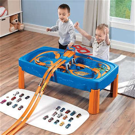 step2 wheels car and track play table