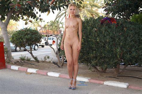 Parking Lot Nudity September 2014 Voyeur Web Hall Of Fame