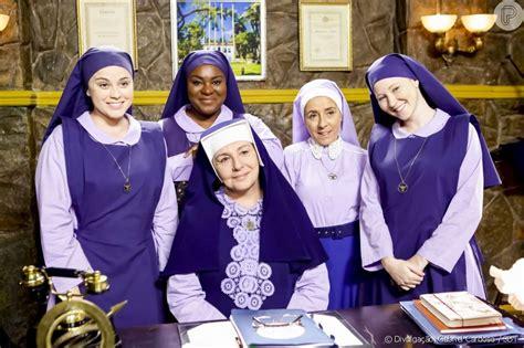 Madre Superiora (Eliana Guttman) anuncia que conseguiu ...