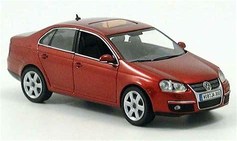 Volkswagen Jetta Red 2005 Schuco Diecast Model Car 1/43