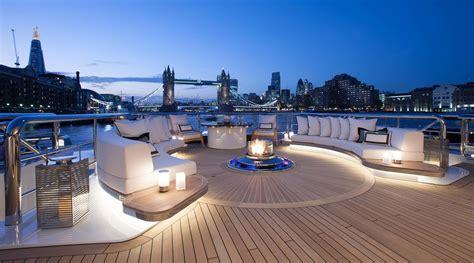 Charter Luxury Yacht Kismet