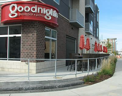 Deck Bar Omaha by Pictures Of The Patio Seating At Goodnight S Pizza Bar