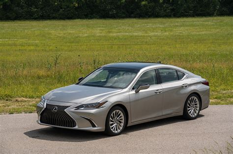2019 lexus es 350 2019 lexus es 350 drive review automobile magazine