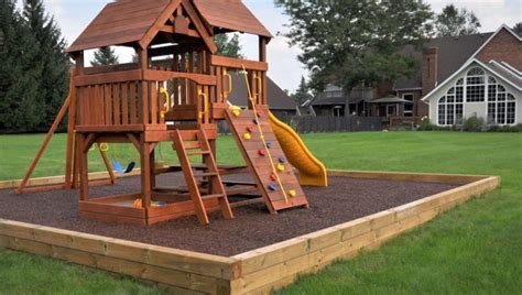 Home Playground : Tree House / Playground