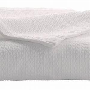 Couvre Lit Blanc : alix blanc par anne de sol ne jet de lit et taie d 39 oreiller la boutique novalinge ~ Teatrodelosmanantiales.com Idées de Décoration