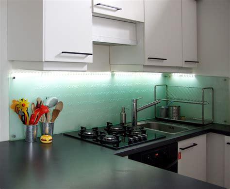 credence cuisine verre ikea credence verre couleur photos de cuisines sur mesures et nancy credence en verre pour cuisine