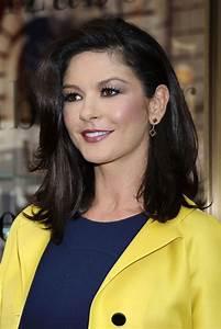 Catherine Zeta-Jones Gold Dangle Earrings - Catherine Zeta ...