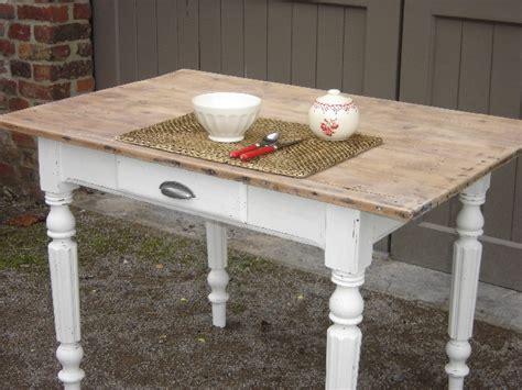 table de cuisine ancienne en bois tables