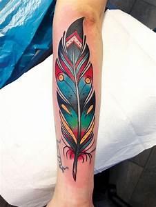 Tatouage Plume Indienne Signification : signification tatouage dessin en couleurs sur la peau tatouage ~ Melissatoandfro.com Idées de Décoration