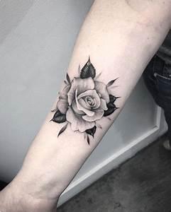 Tatouage Rose Sur La Main Tatouage Rose Sur La Main Inkage 1001 Id