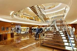 Louis Vuitton Étoile Maison by Peter Marino, Rome » Retail ...