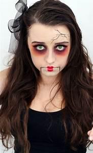 Gruselige Halloween Kostüme : halloween schminke puppe gruselige idee porzellan schmink tips ~ Frokenaadalensverden.com Haus und Dekorationen