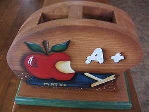 cadeau pour professeur porte crayons peinture sur bois With bricolage peinture sur bois