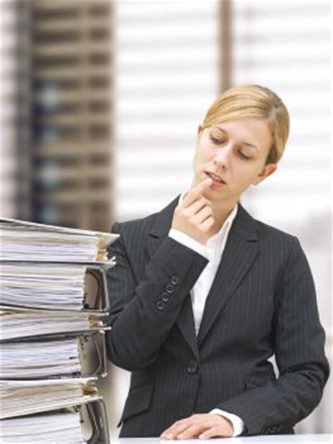 wie lange muss rechnungen aufheben aufbewahrungsfristen f 252 r dokumente und unterlagen artikelmagazin