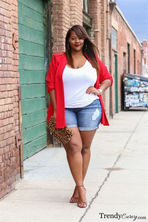 6 ideas to wear a plus size red blazer in summer outfits - curvyoutfits.com