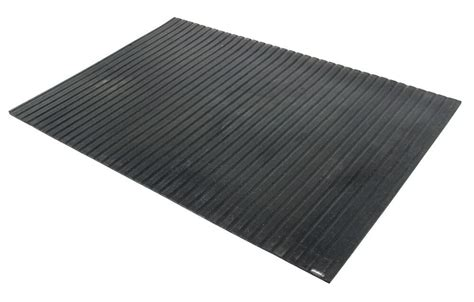 """Catalog and supplier database for engineering and industrial professionals. Ribbed Rubber Trailer Mat - 48"""" x 72"""" Surehoof Enclosed ..."""