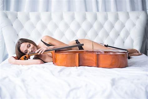 chambre d h es lille séance boudoir en chambre d 39 hôte avec violoncelle à lille