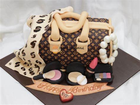 merry   cupcakes cakes lv monogram bag cake wif leopard print scarf