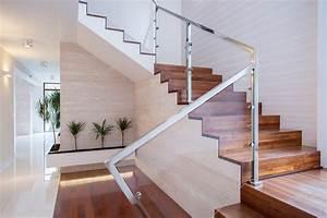 Fenster Für Treppenhaus : treppenhausgestaltung f ers einfamilienhaus 10 ideen ~ Michelbontemps.com Haus und Dekorationen