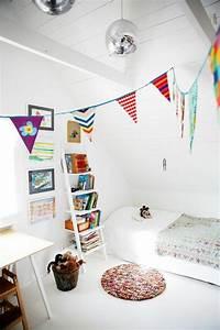 Aus Einem Zimmer Zwei Kinderzimmer Machen : die holzleiter als moderner teil des interiors ~ Lizthompson.info Haus und Dekorationen