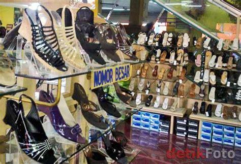 3 Surga Sepatu Murah Berkualitas Yang Wajib Dikunjungi Sepatu High Heels Sophie Martin Sofiya Hiking Outdoor Lokal Cara Memilih Yang Baik Heel Nyaman Kaca Hak Tinggi Paling Cantik