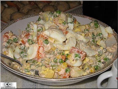 cuisine fran軋ise facile salade russe olivier recette du plat phare du nouvel an