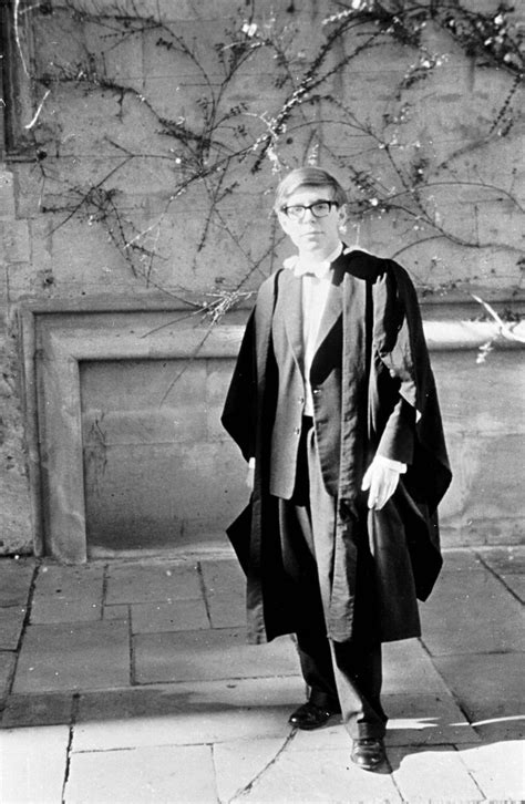 Stephen Hawking a life in pictures - from the young boy to the Professor - Mirror Online