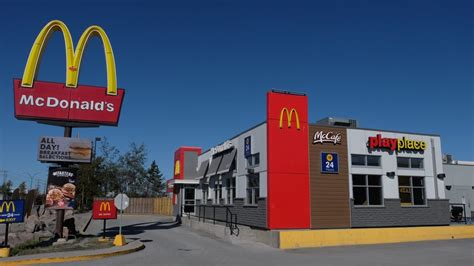 Mcdonalds Kitchener by Mcdonald S Apologizes For Insensitive Notice Demanding