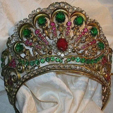 italian jeweled crown  santo saint virgin mary