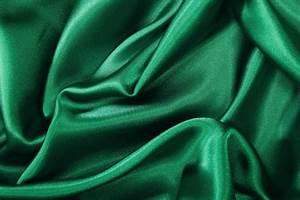 Rideaux Vert Sapin : magnifique crepe satin polyester vert sapin ~ Teatrodelosmanantiales.com Idées de Décoration
